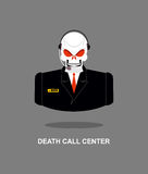 Centro de atendimento da morte Crânio com auriculares O esqueleto no terno responde Fotos de Stock