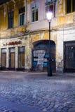 Centro de cidade velho de Bucareste antes da restauração Fotografia de Stock