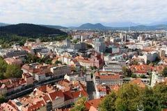 Centro de ciudad de Ljubljana del castillo Eslovenia Imágenes de archivo libres de regalías