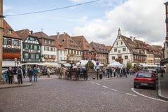 Centro de ciudad de Obernai, Alsacia, Francia foto de archivo libre de regalías