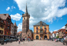 Centro de ciudad de Obernai francia Foto de archivo