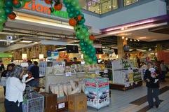Centro de ciudad en la 6ta alameda Los Ángeles de Koreatown Foto de archivo libre de regalías
