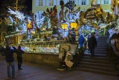 Centro de ciudad histórico de Baden-Baden con las decoraciones de la Navidad Foto de archivo