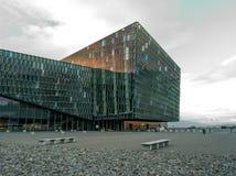 Centro de conferencia de Reykjavik Islandia Imagen de archivo libre de regalías