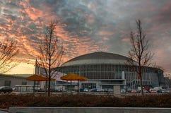 Centro de exposición de Brno en tiempo del advenimiento de la puesta del sol Imagenes de archivo