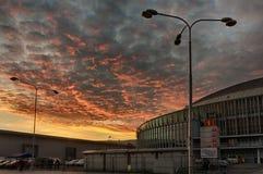 Centro de exposición de Brno en tiempo del advenimiento de la puesta del sol Fotografía de archivo