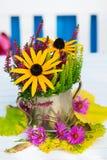 Centro de flores colorido del otoño Foto de archivo libre de regalías