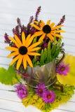 Centro de flores colorido del otoño Fotografía de archivo libre de regalías