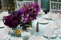 Centro de flores de la boda Fotos de archivo