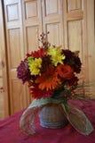Centro de flores de la caída Imagenes de archivo