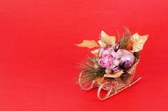 Centro de flores de la Navidad imagen de archivo libre de regalías