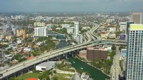 Centro de la ciudad aéreo Miami FL de la cantidad del abejón almacen de video