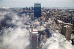 Centro de la ciudad de la cubierta de nubes de la ciudad Boston Imagenes de archivo