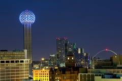 Centro de la ciudad de Dallas en la noche Imagen de archivo libre de regalías
