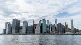 Centro de la ciudad de Nueva York sobre el río Hudson fotografía de archivo