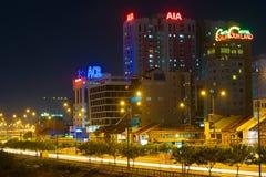 Centro de la ciudad de Saigon en la noche Fotos de archivo libres de regalías