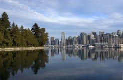 Centro de la ciudad de Vancouver y parque de Stanley Fotos de archivo libres de regalías
