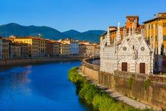 Centro de la ciudad en Pisa Italia fotos de archivo