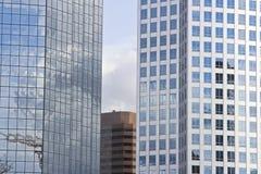 Centro de la ciudad urbano moderno Foto de archivo libre de regalías