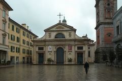Centro de la ciudad de Varese, Italia imagen de archivo