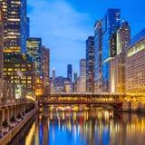 Centro de la ciudad y el río Chicago de Chicago Imagenes de archivo