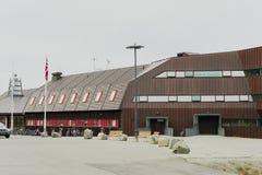 Centro de la universidad en Svalbard Imágenes de archivo libres de regalías