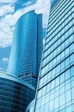 Centro de negócio moderno dos arranha-céus Fotos de Stock Royalty Free