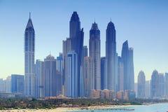 Centro de negocio de lujo de Dubai imágenes de archivo libres de regalías