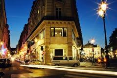 Centro de París en noche Fotos de archivo libres de regalías