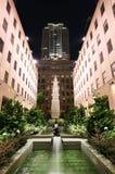 Centro de Rockefeller en la noche Fotos de archivo libres de regalías