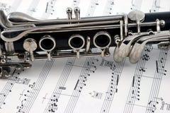 Centro de un clarinet con los agujeros y los claves Fotos de archivo libres de regalías