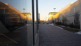 Centro del campus en la puesta del sol Foto de archivo libre de regalías