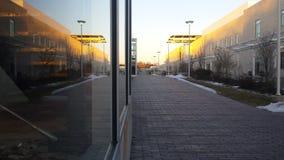 Centro del campus en la puesta del sol Fotografía de archivo libre de regalías