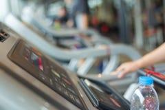 Centro del club di sport di allenamento di esercizio della palestra di forma fisica Fotografie Stock