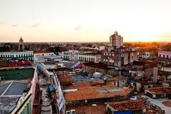 Centro del patrimonio mondiale dell'Unesco di Camaguey da sopra Vista della via pedonale Maceo verso la chiesa di Soledad Fotografia Stock