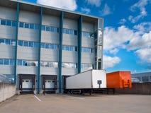 Centro del trasporto con i rimorchi fotografia stock libera da diritti