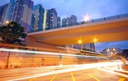 Centro della città di traffico alla notte Fotografie Stock Libere da Diritti