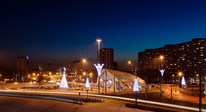 Centro della città entro la notte Fotografie Stock