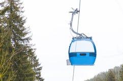 Centro dello sci di Bansko della cabina dell'ascensore di sci Fotografia Stock Libera da Diritti
