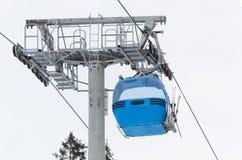Centro dello sci di Bansko della cabina dell'ascensore di sci Immagine Stock