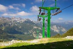 Centro dello sci di Vogel nelle montagne nel giorno di estate La Slovenia, Europ Fotografia Stock