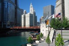 Centro di citi del Chicago al giorno pieno di sole Fotografie Stock Libere da Diritti
