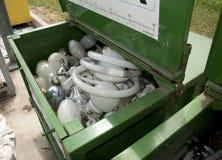 Centro di riciclaggio italiano - lampade al neon Fotografia Stock