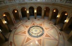 Centro do edifício do Capitólio do St. Paul Imagens de Stock