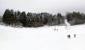 Centro dos esquiadores e dos biathletes na vila Smets, distrito de Verhovazhskogo, região de Vologda Fotos de Stock Royalty Free