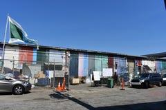 Centro dos Scroungers de Art Parts reusável, 2 fotos de stock