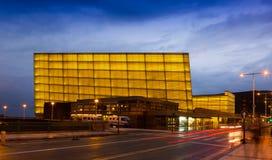 Centro e auditório de congresso de Kursaal fotos de stock royalty free