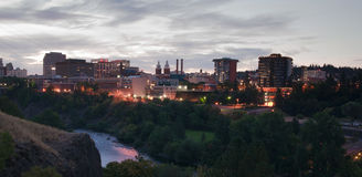 Centro financiero de River Valley del horizonte céntrico de Spokane de la salida del sol Fotografía de archivo