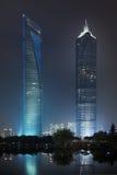 Centro finanziario del mondo di Shanghai e di Jin Mao alla notte Fotografia Stock