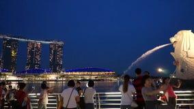 Centro finanziario moderno Merlion Marina Bay Sands Destination della metropoli di Singapore archivi video